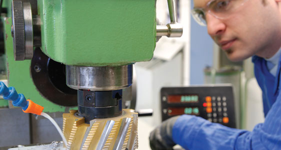 Computer-Integrated Machining with an emphasis in Tool, Die