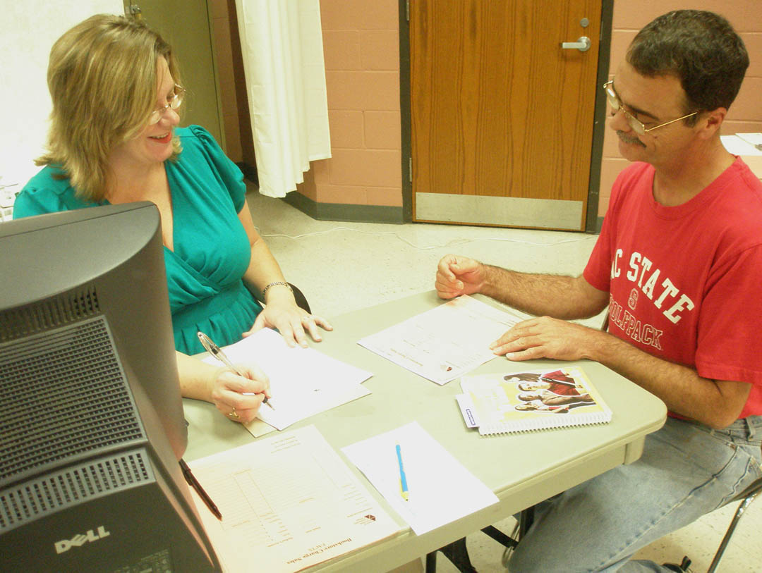 Click to enlarge CCCC holds fall semester registration