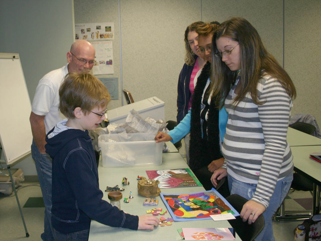 Click to enlarge 10-year-old educates CCCC students on cool art activities
