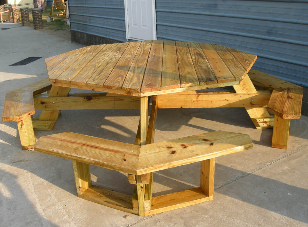 DIY Octagon Wooden Picnic Table Plans Free