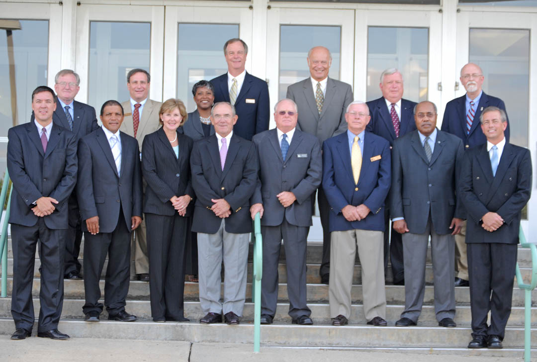 CCCC trustees elect new chairman, swear in new, reappointed trustees