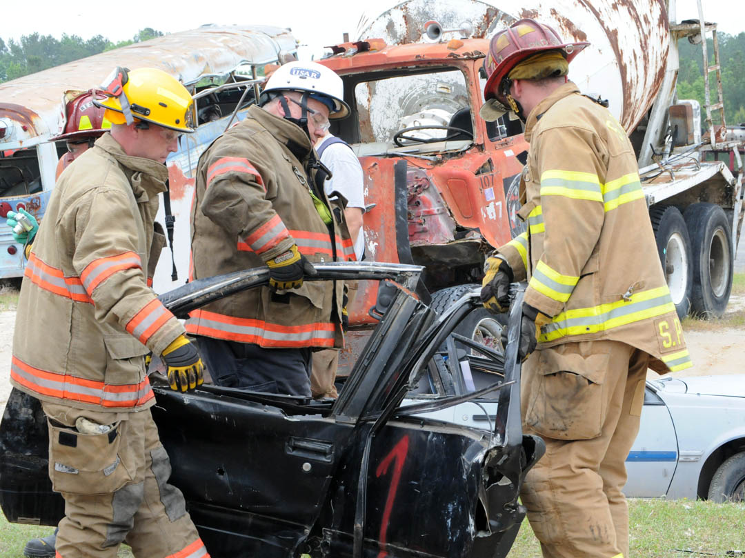 Click to enlarge Firefighters gain extrication skills at ESTC training