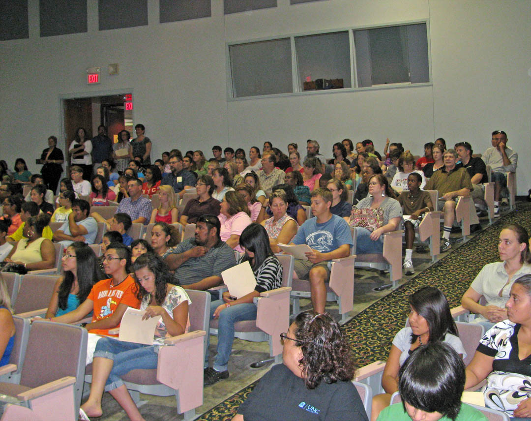 Click to enlarge LEC welcomes incoming freshmen