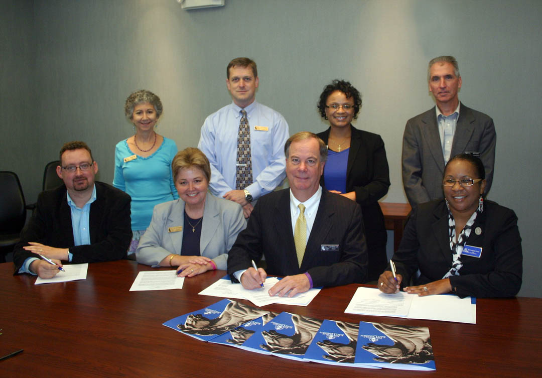 CCCC-FSU sign dual enrollment agreements
