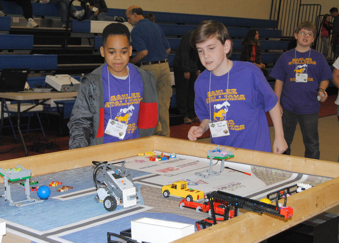 Fun and learning at CCCC Robotics Competition