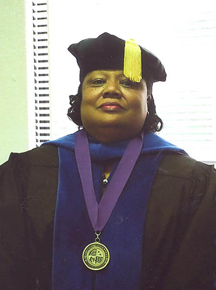 CCCC�S Smith earns doctorate