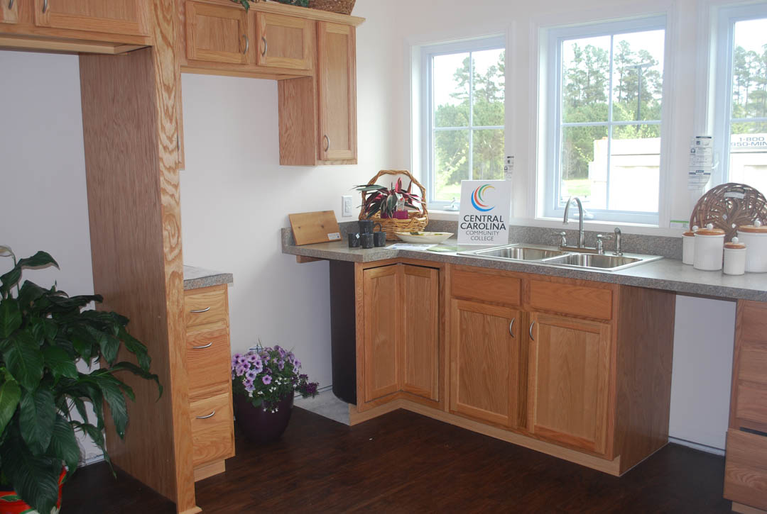 Click to enlarge,  Chatham Cottage kitchen