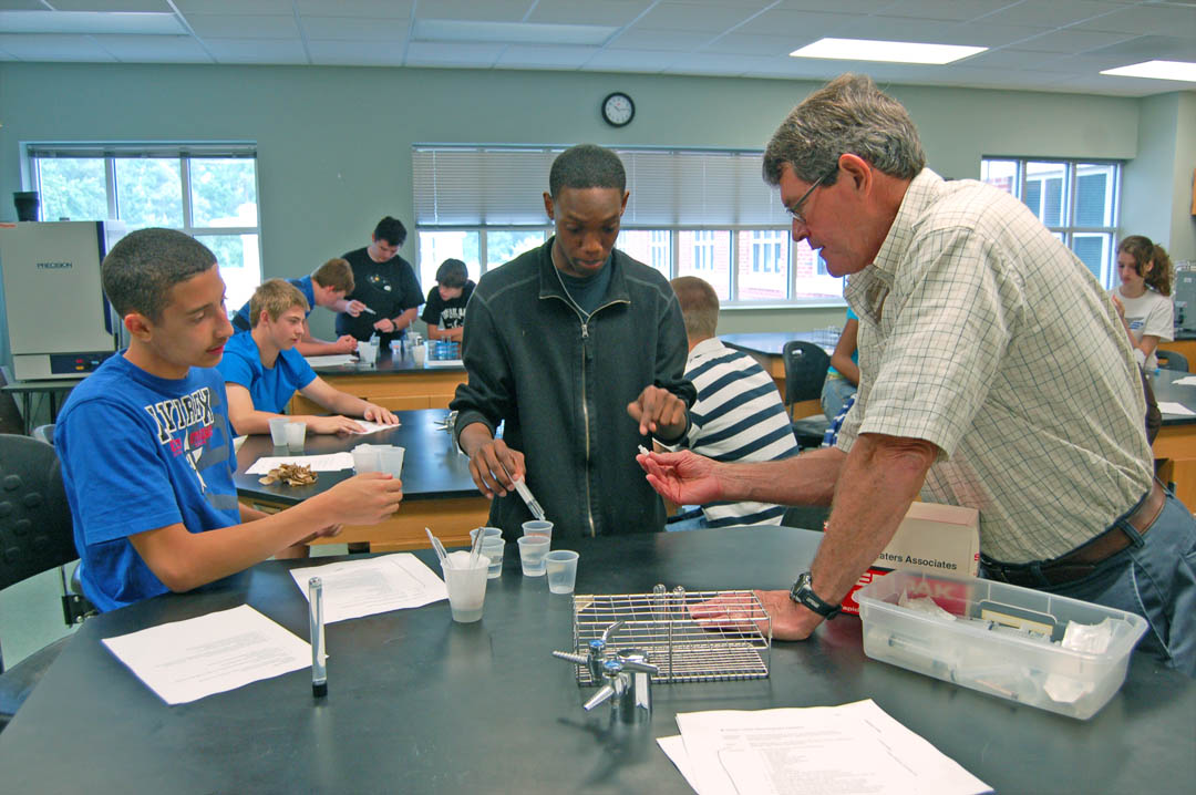 Upward Bound Math and Science students get taste of college at CCCC