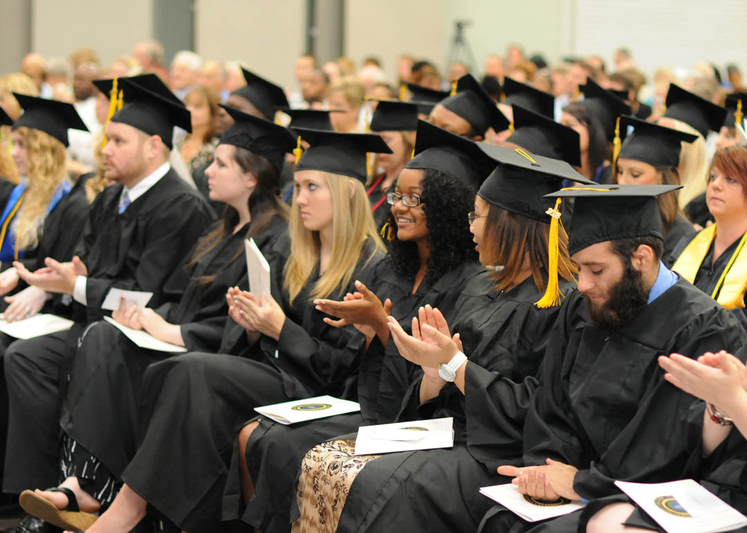 college students graduating graduating students of central college students graduating