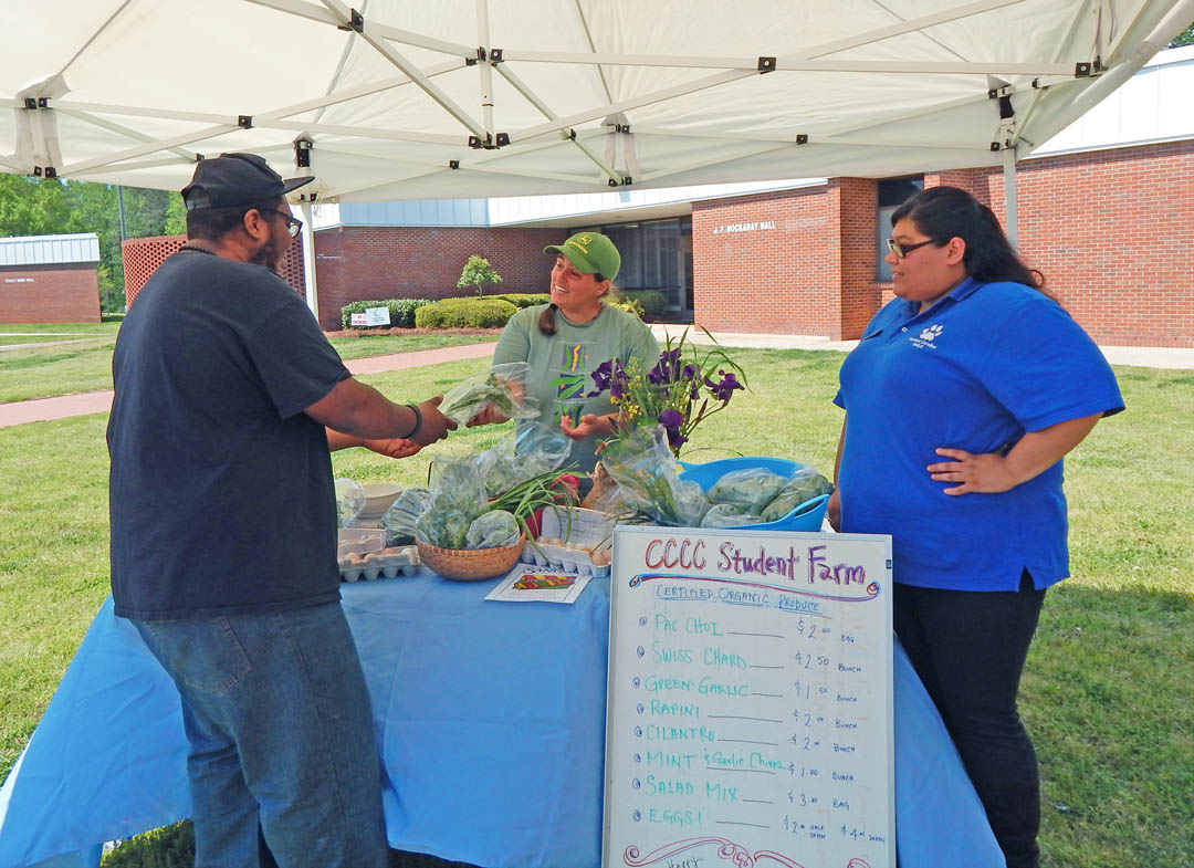 Click to enlarge CCCC Lee Campus hosts Earth Day mini-Farmers Market