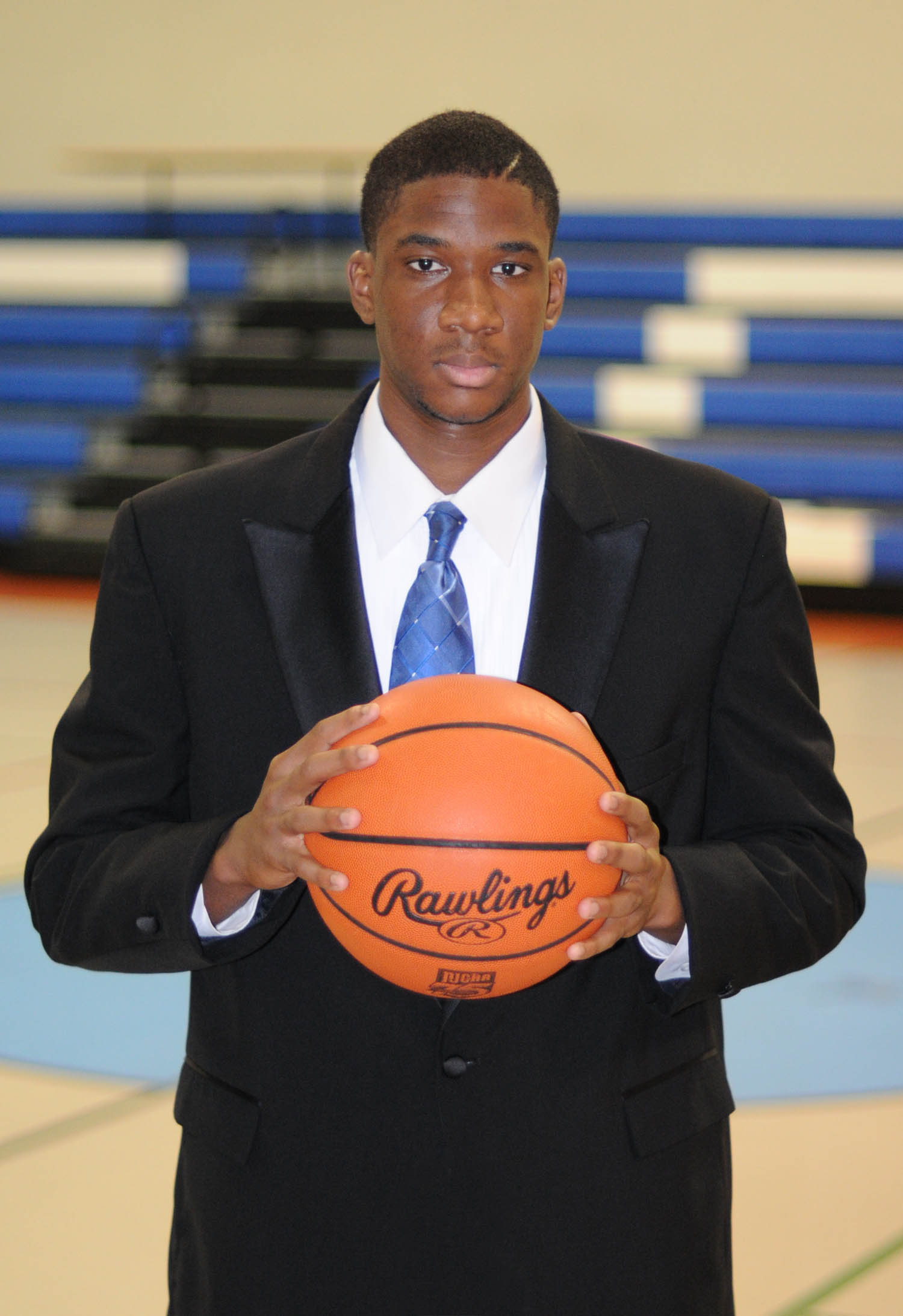 Click to enlarge,  Central Carolina Community College center Julian Bailey has received a full athletic scholarship to play for the Milligan College Buffaloes, in Johnson City, Tenn. In 2014, Milligan's men's basketball team was the NAIA Division I National Champion. Bailey, the son of Ronald and Jennifer Bailey, of Fayetteville, received his Associate in Arts degree at CCCC's May graduation. For more information about athletics at CCCC, visit www.cccc.edu/sports.