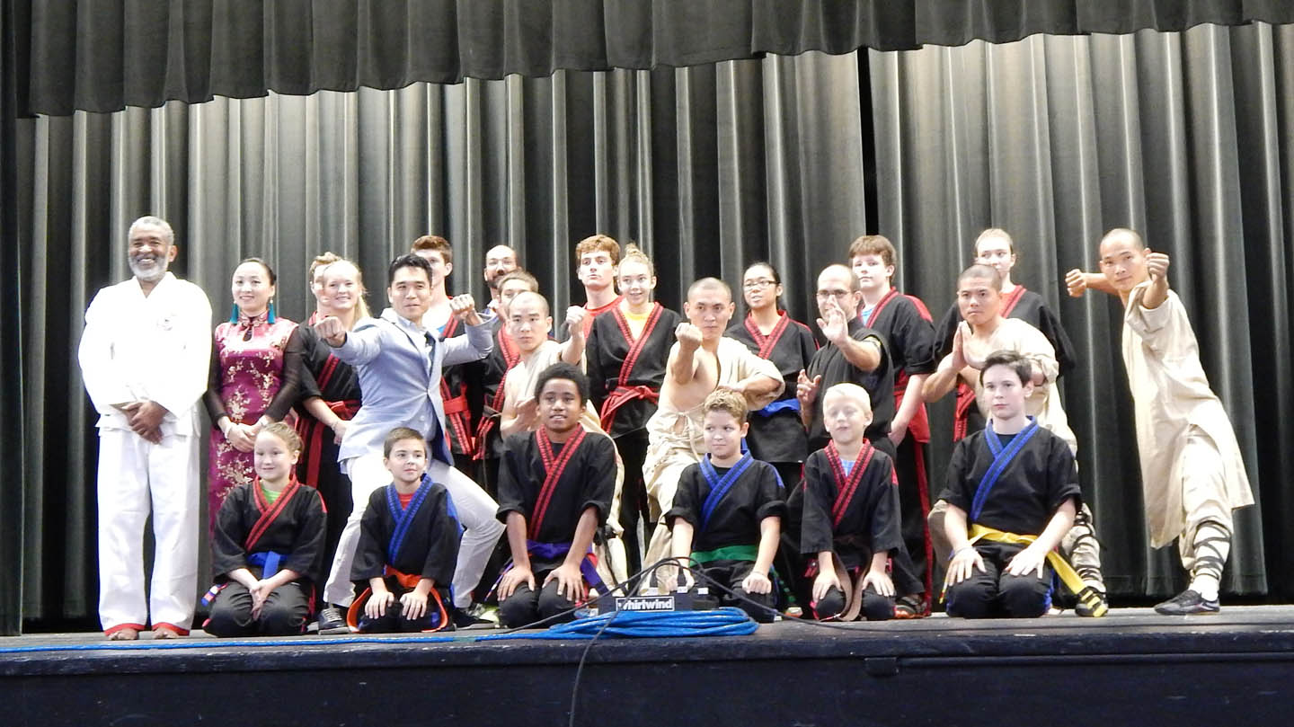 Chinese martial arts masters wow audience 09/18/2014 - News