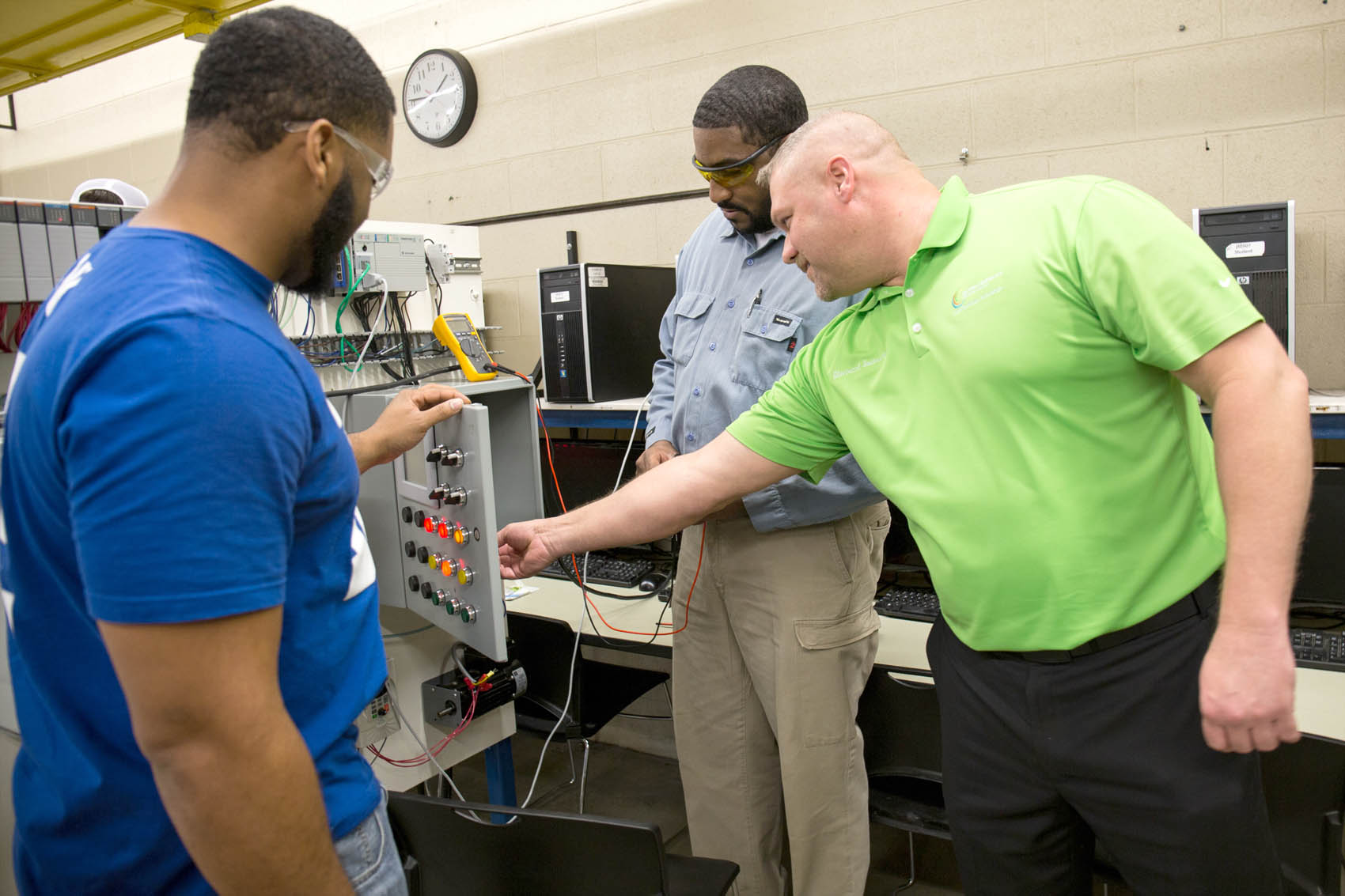 Womack trains future industrial programmers at CCCC