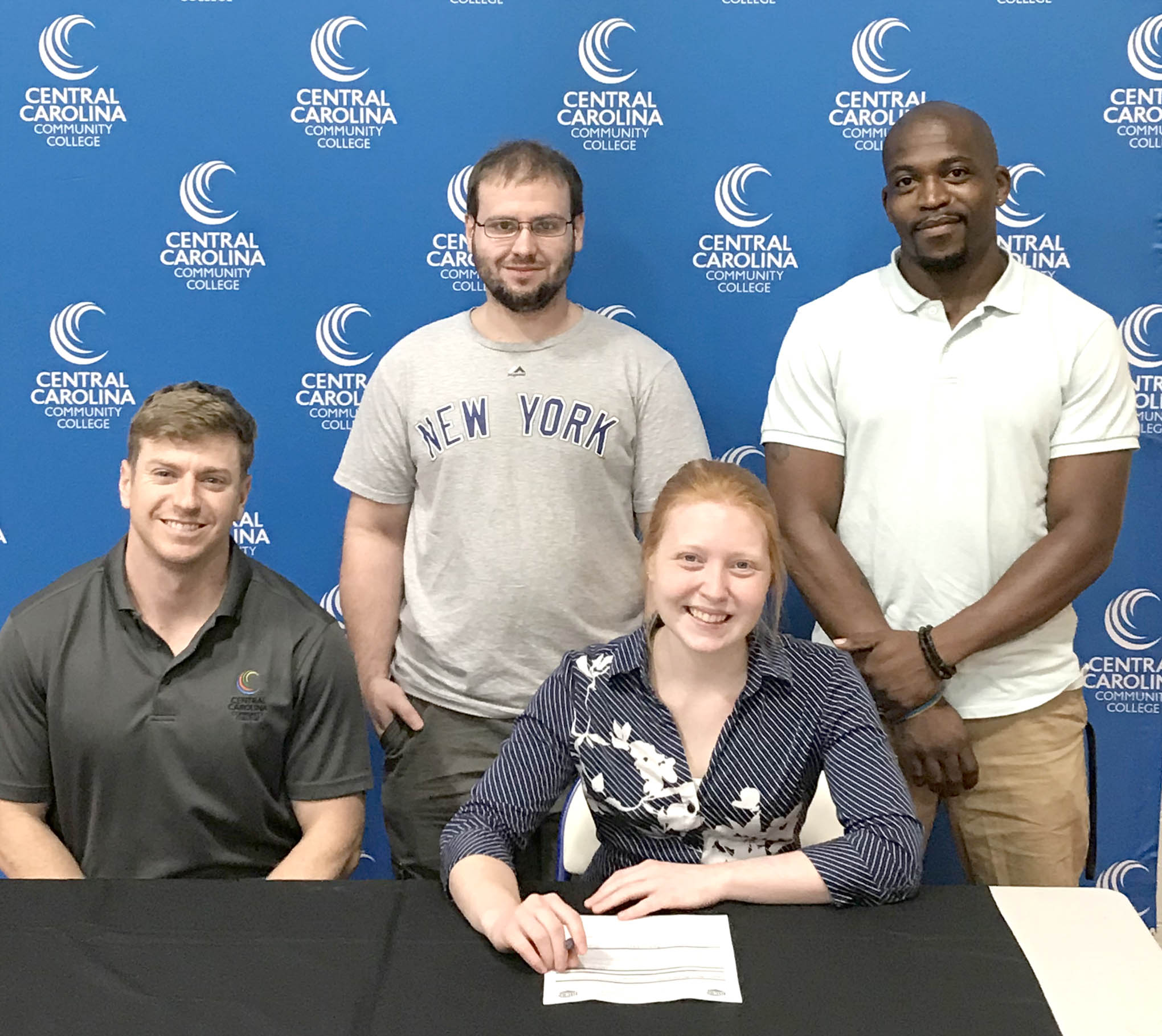 Read the full story, CCCC cross country signs Alicia Walker