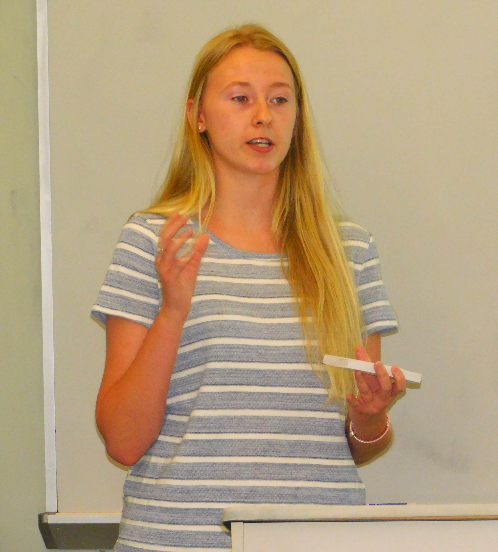 CCCC Honors Scholars student presents project